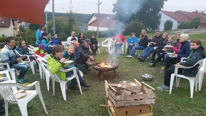 Gartenpädagogik Paetow - Kartoffelfeuer im Schulgarten